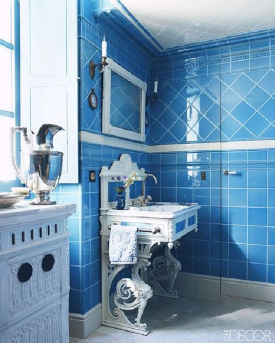 Bathroom Color Ideas: Blue for the Tiles