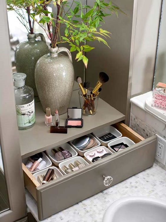 Bathroom Organization Ideas: Single Shelf with Drawer Below