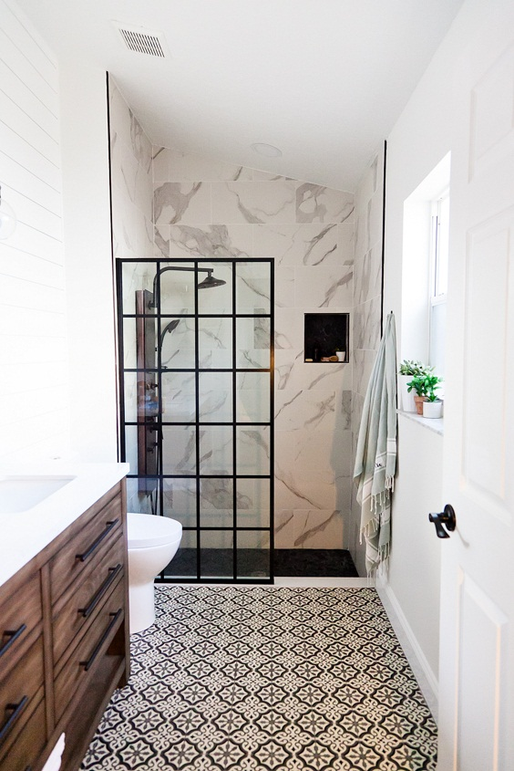 Bathroom Remodel Ideas: Bold Black and White