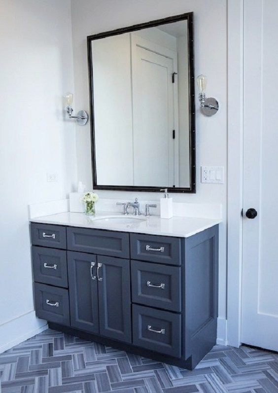 Bathroom Vanity Ideas: Dark Blue and White Tone