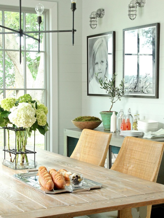 Dining Room Decor Ideas: A Bundle of Big Flowers