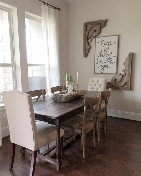 Dining Room Decor Ideas: Nice Writing with Unattached Frame