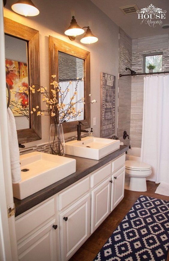 Farmhouse Bathroom Ideas: Adding Nice Flower and Symmetric Rug