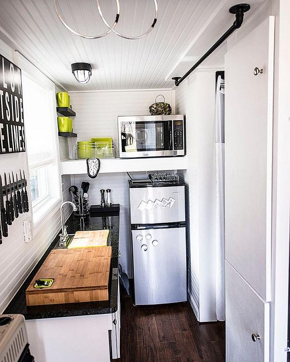 Apartment Kitchen Idea: Dashing Modern Small Kitchen
