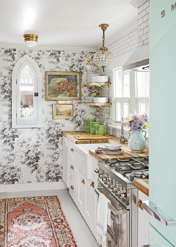 Kitchen Ideas: Flowery Decor