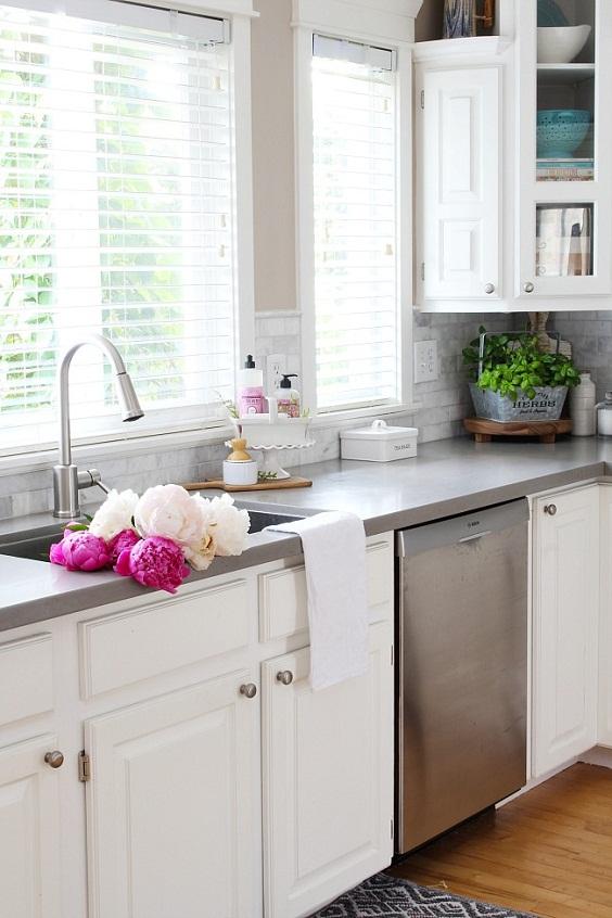 Kitchen Decor Ideas: Pink Peonies