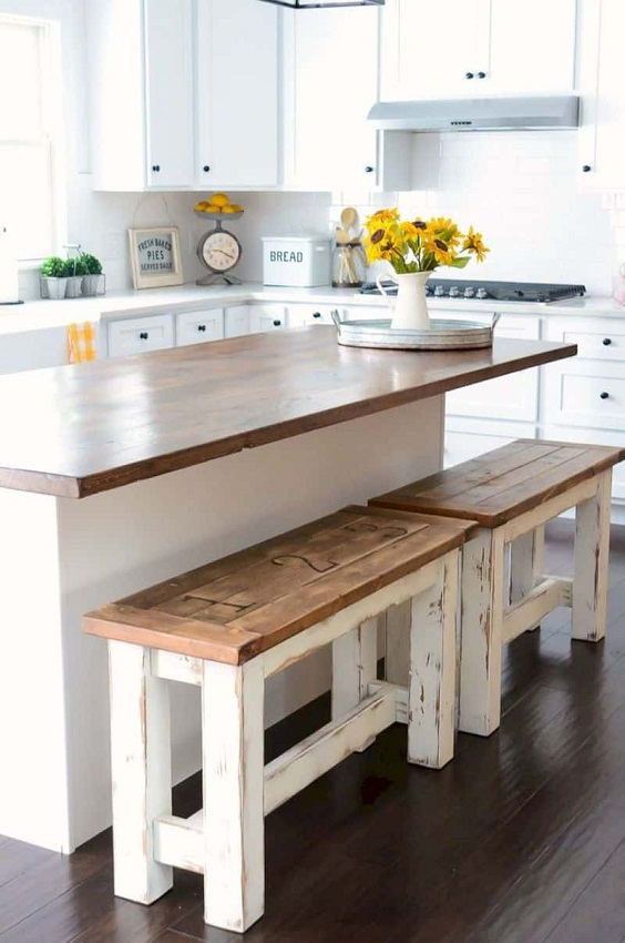 Kitchen Decor Ideas: Weathered Long Bench