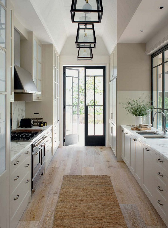 Kitchen Layout Ideas: Hardwood Floor