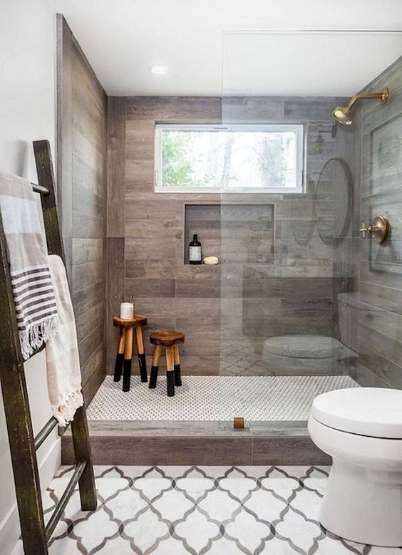 Master Bathroom Ideas: Rustic Farmhouse Bathroom