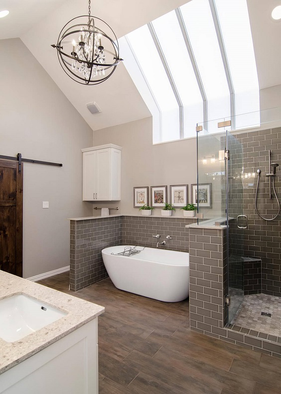 Master Bathroom Ideas: Ultra Chic Up-Town Bathroom
