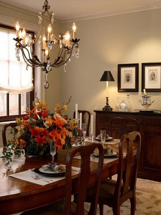 Traditional Dining Room Ideas: Dining Table and Chairs Made of Wood