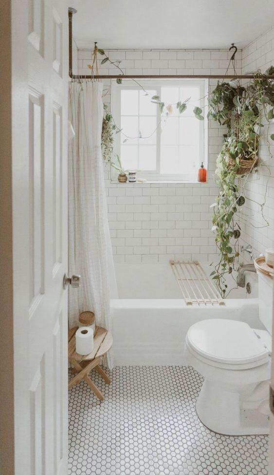 Boho Bathroom Ideas: Catchy All-White Decor