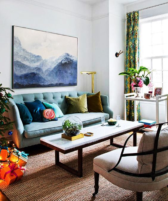 Eclectic Living Room: Simply Attractive Decor