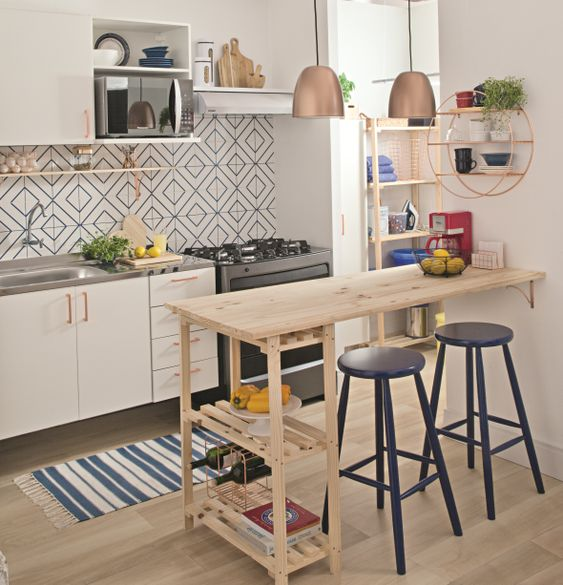 Small Kitchen Island: Simple Floating Design
