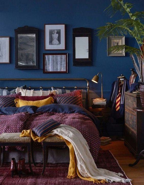 Dark Bedroom Ideas: Striking Colorful Decor