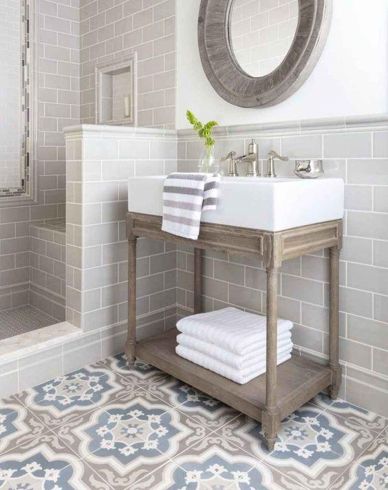 Small Bathroom Vanity: Rustic Vintage Design