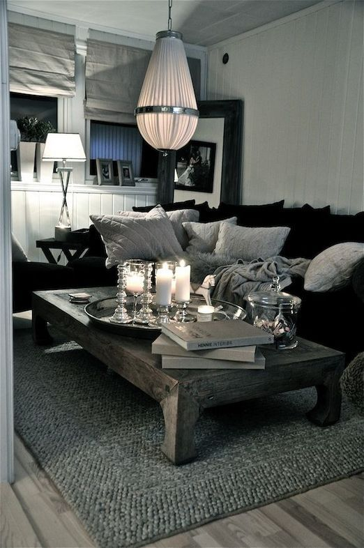 Black Living Room: Gorgeous Rustic Decor