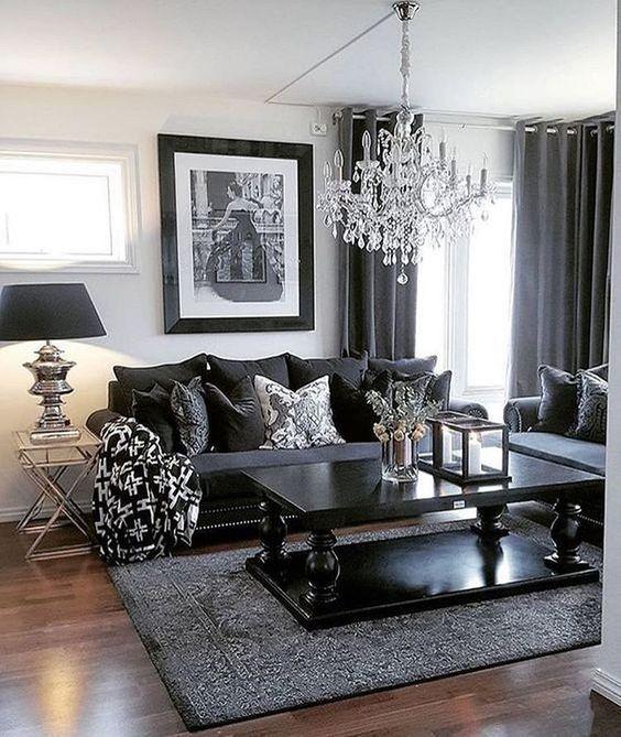 Black Living Room: Simply Cozy Decor