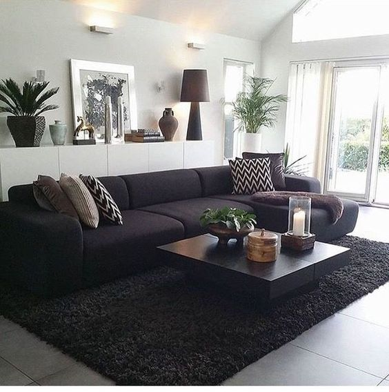 Black Living Room: Stylish Minimalist Decor
