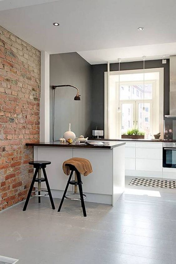 Industrial Kitchen Ideas: Brightly Chic Decor