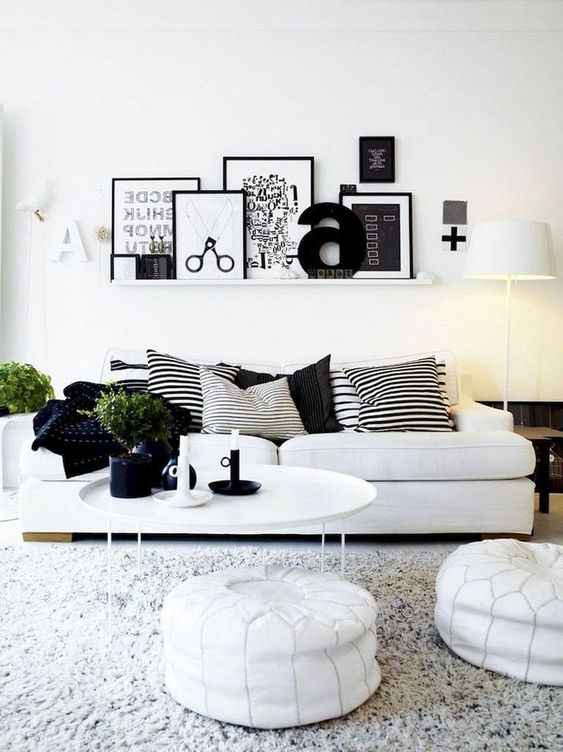 Living Room Wall: Chic Minimalist Decor