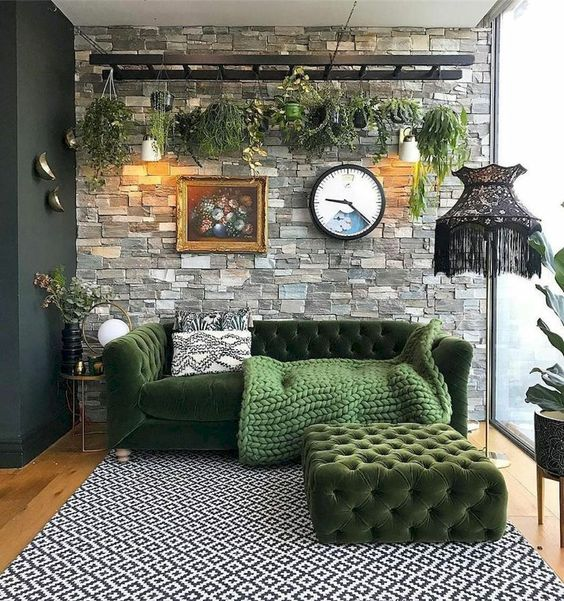Living Room Wall: Elegant Earthy Decor
