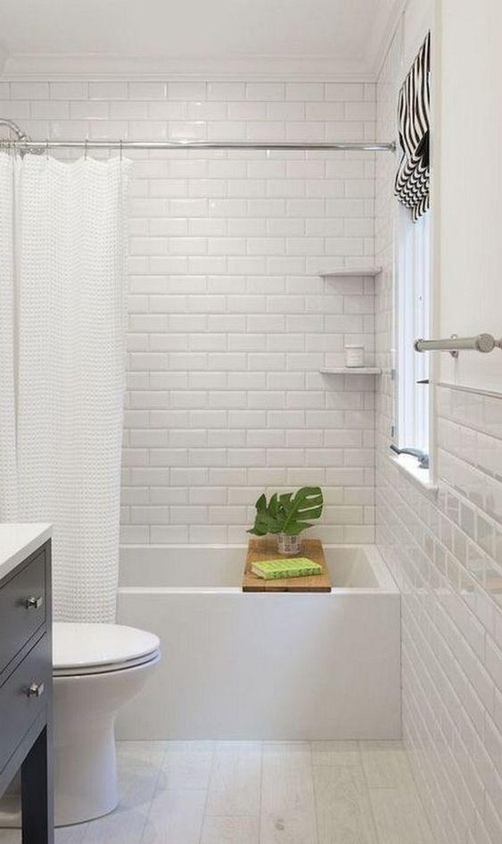 Bathroom Paint Ideas: Catchy All-White Decor