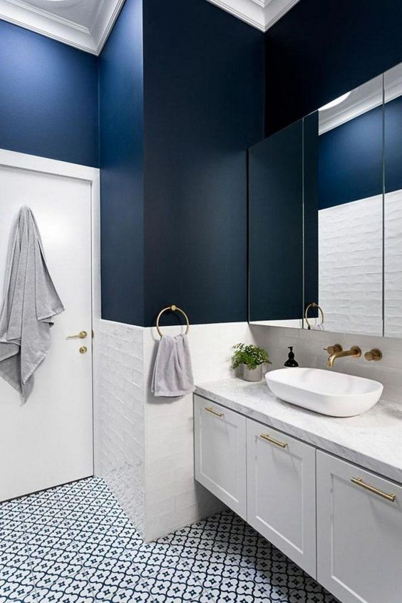 Bathroom Paint Ideas: Stylish Bold Decor