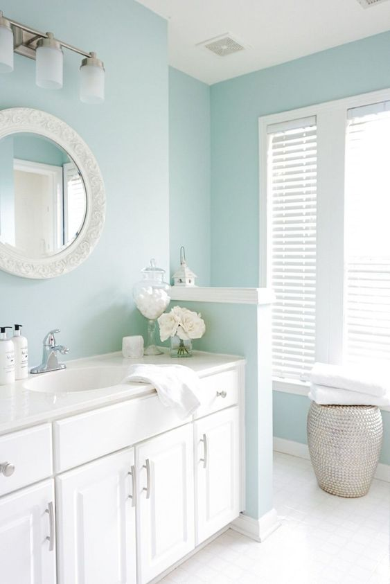 Bathroom Paint Ideas: Fresh Nautical Decor