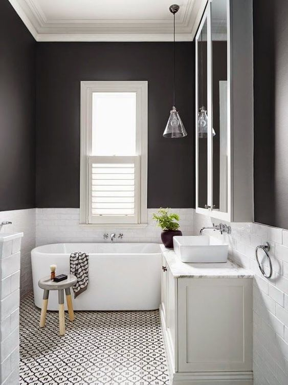 Bathroom Paint Ideas: Stylish Monochrome Decor