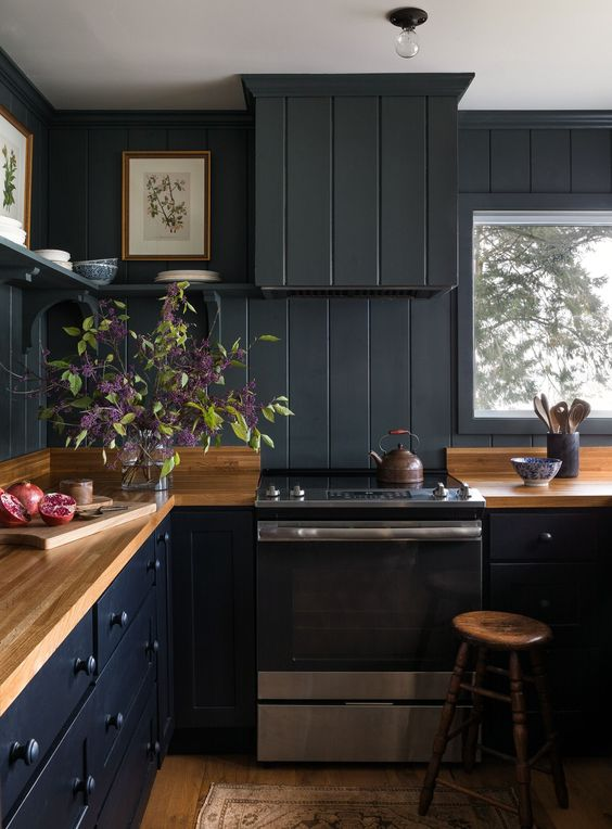 Dark Kitchen Ideas: Contemporary Farmhouse Decor