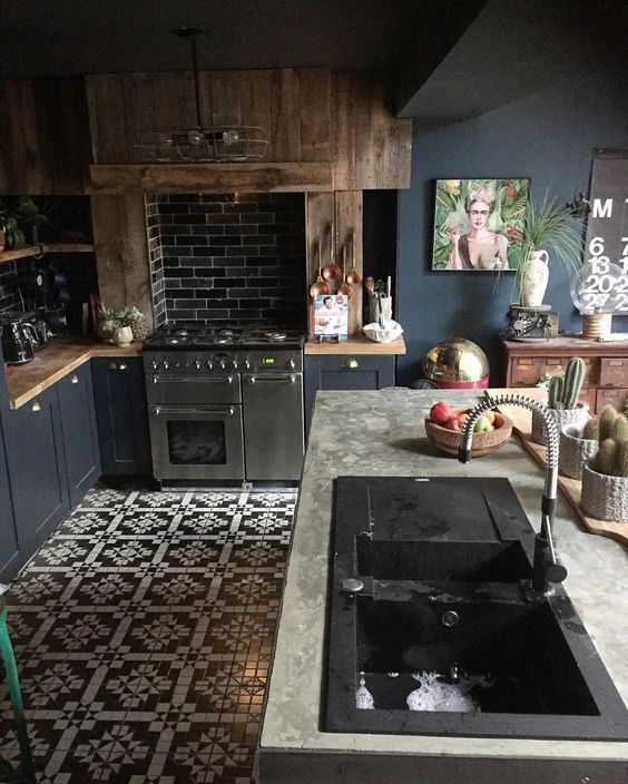 Dark Kitchen Ideas: Bold Rustic Decor