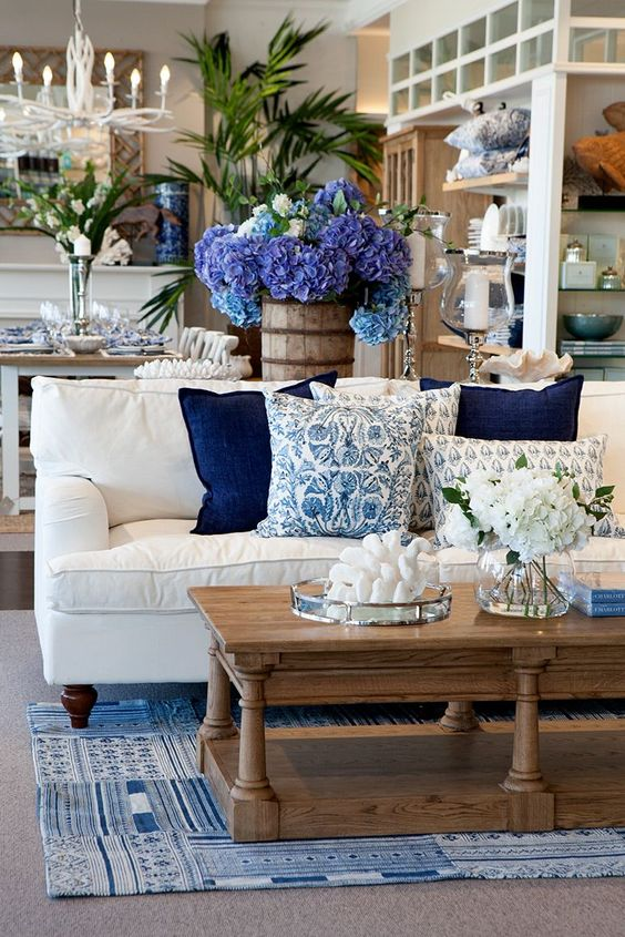 Shabby Chic Living Room Ideas: Gorgeous Nautical Decor