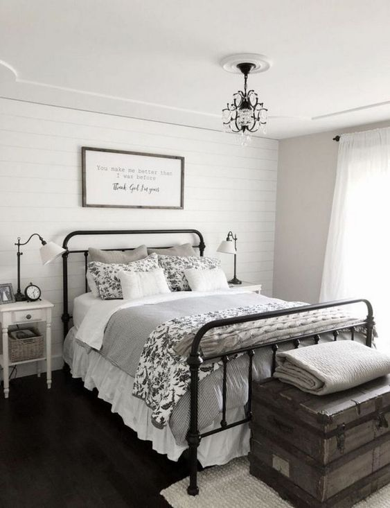 Vintage Bedroom Ideas: Elegant Farmhouse Decor