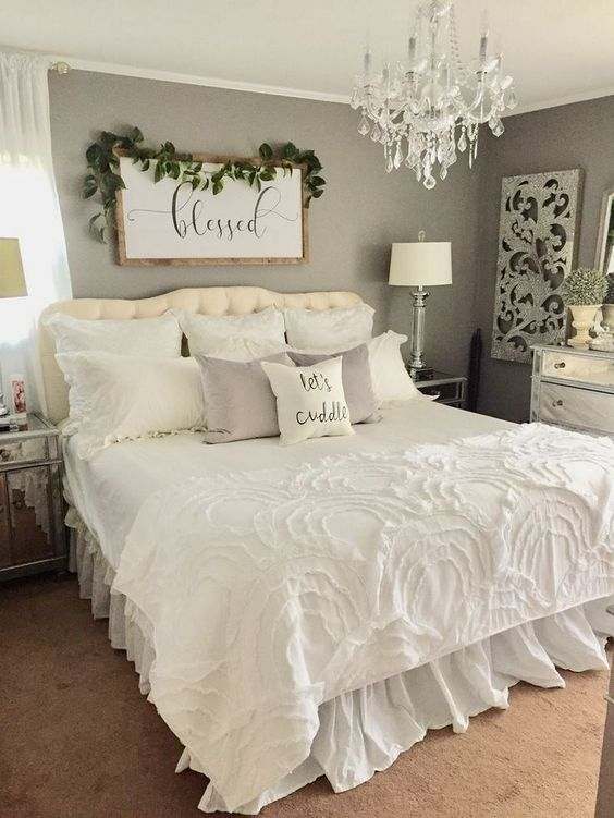 Vintage Bedroom Ideas: Captivating Neutral Decor