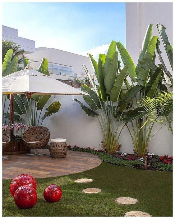 Tropical Backyard Ideas: Beautiful Cozy Landscaping