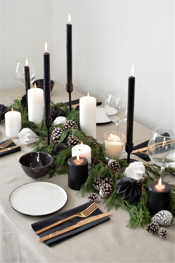 Christmas Dining Room Ideas: Elegant Monochromatic Decor