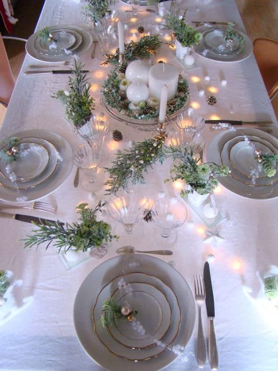 Christmas Dining Room Ideas: Sparkling Bright Decor