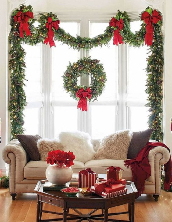 Christmas Living Room Ideas: Striking Colorful Window