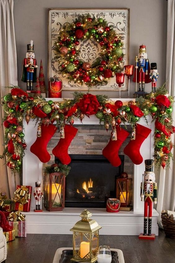 Christmas Living Room Ideas: Striking Festive Fireplace