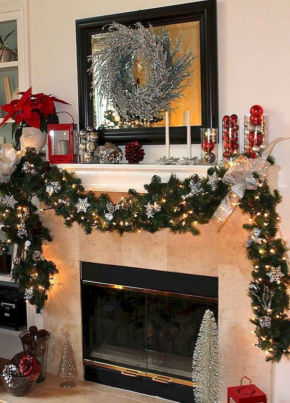 Christmas Living Room Ideas 20