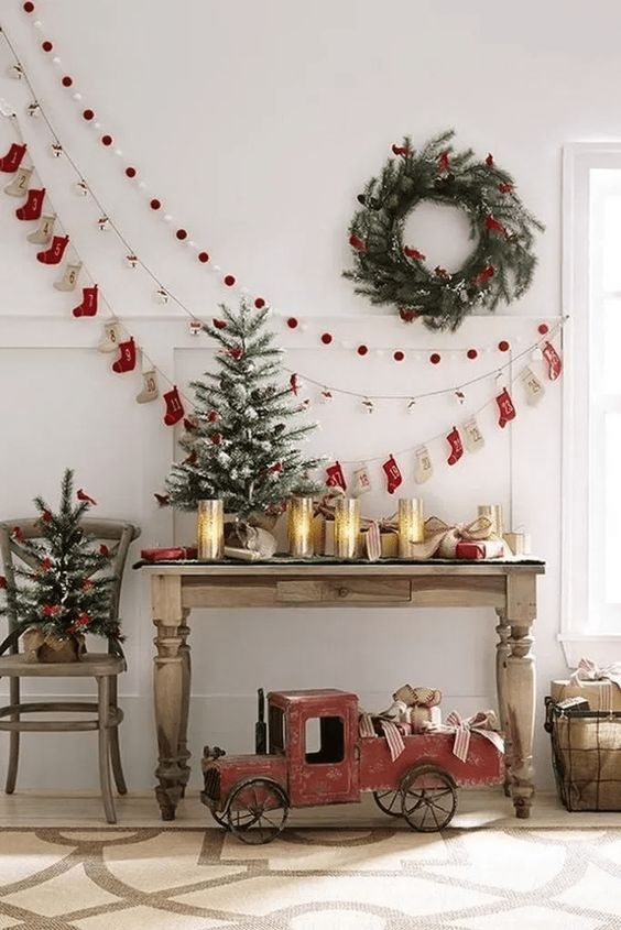 Christmas Living Room Ideas: Simple Chic Decor
