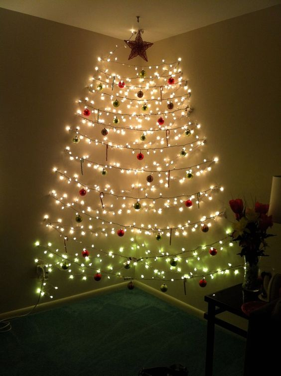 Christmas Living Room Ideas: Catchy Wall Tree