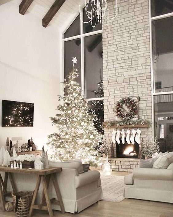 Christmas Living Room Ideas: Gorgeous All-White Decor