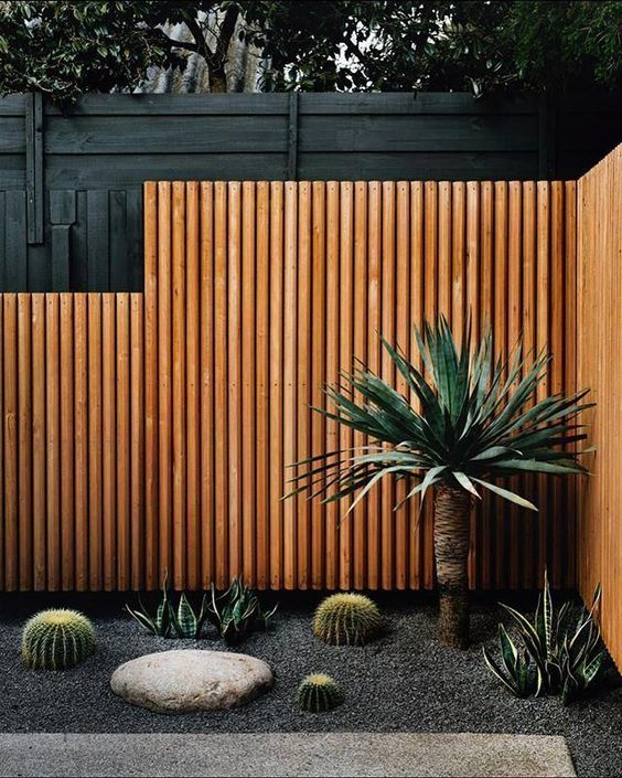 DIY Fence Landscaping: Stylish Modern Decor