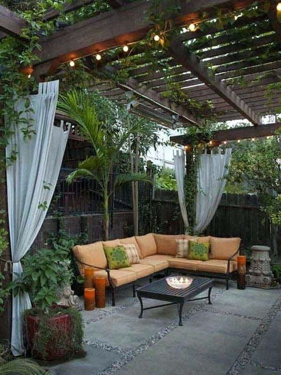 DIY Simple Backyard Ideas: Earthy Rustic Design