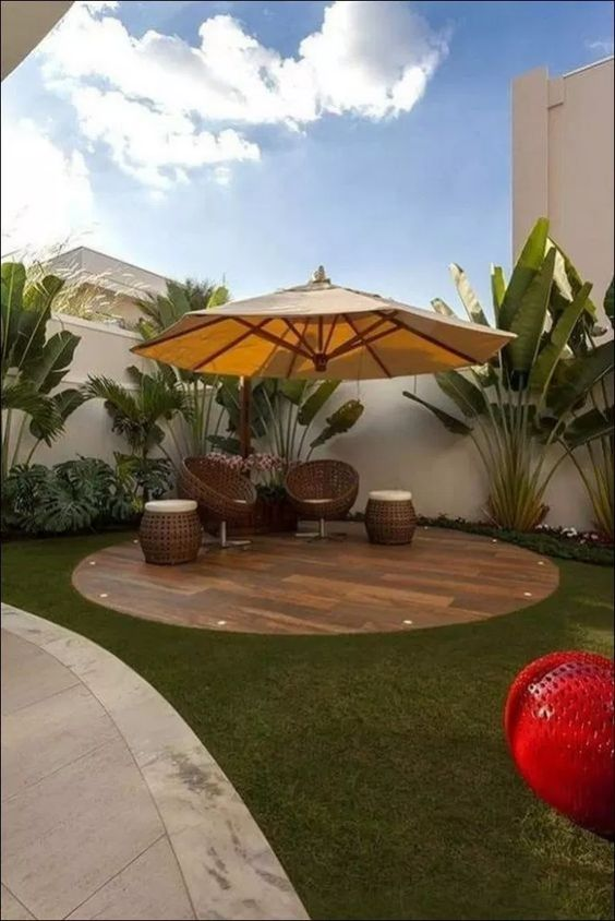 DIY Simple Backyard Ideas: Chic Earthy Design