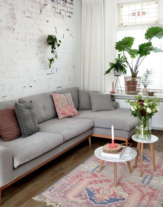 Living Room Wallpaper Ideas: Stylish Rustic Decor