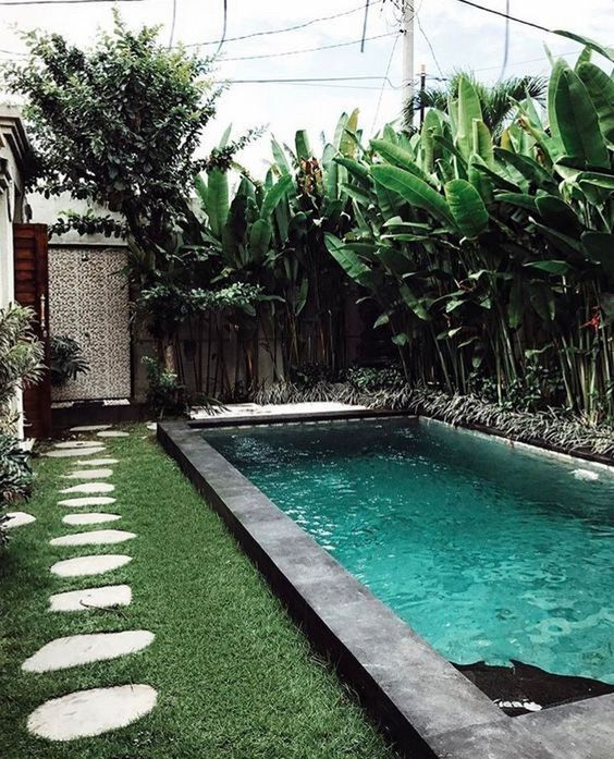 Swimming Pool Landscaping Ideas: Stunning Tropical Decor