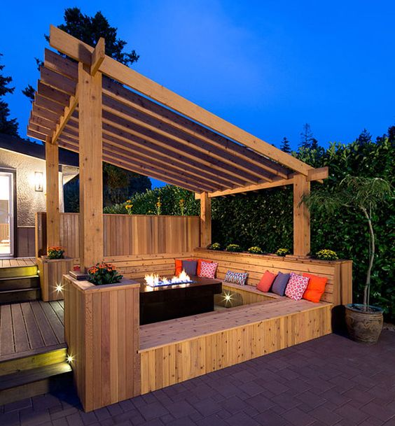 Backyard Deck Ideas: Warm Cozy Design